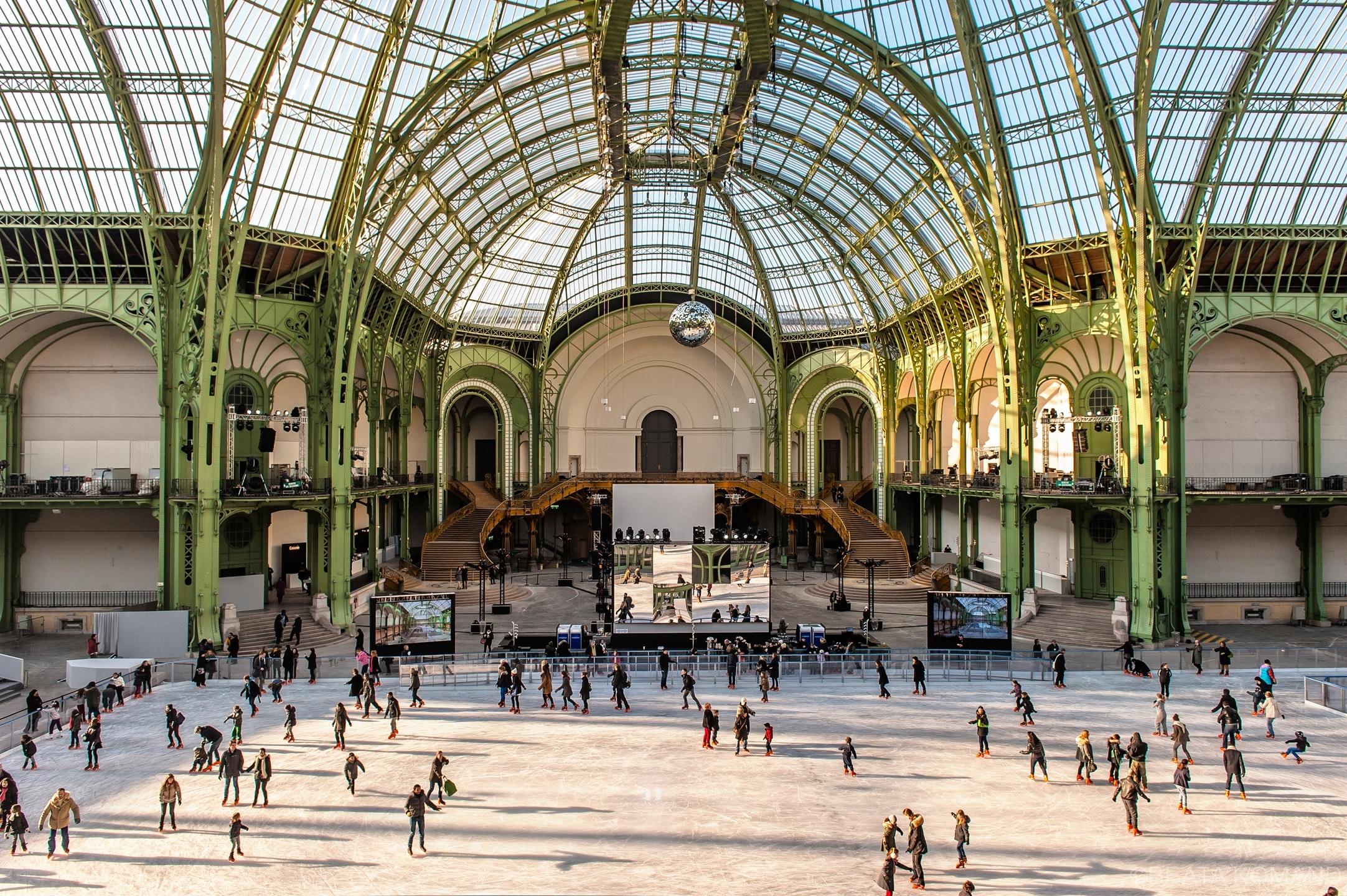 Ouverture de la patinoire au Grand Palais à Paris